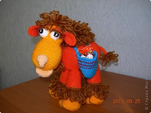 Верблюжонок связан по авторскому мастер-классу Елены Беловой. В подарок маме на день рождения. фото 1