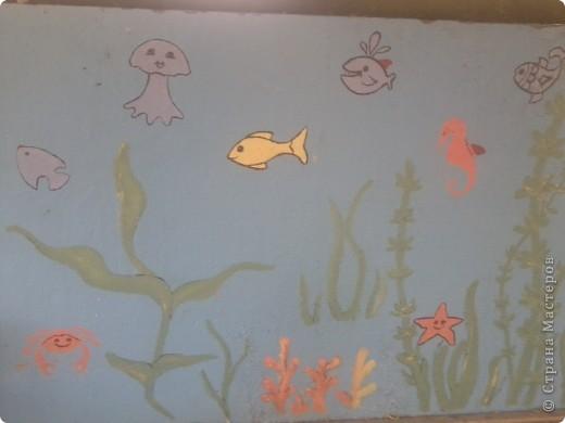 На веранде нашей группы решила изобразить морское царство.  Работа была выполнена ещё в середине августа - до начала учебного года. фото 3