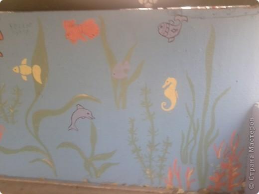 На веранде нашей группы решила изобразить морское царство.  Работа была выполнена ещё в середине августа - до начала учебного года. фото 6