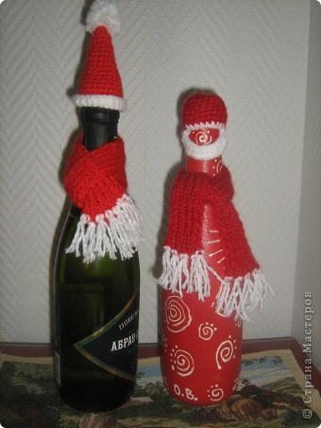 Шапочка и шарфик - и вот Дед Мороз у вас на столе. фото 1