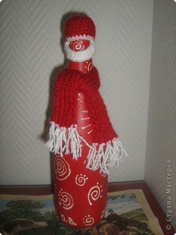 Шапочка и шарфик - и вот Дед Мороз у вас на столе. фото 2
