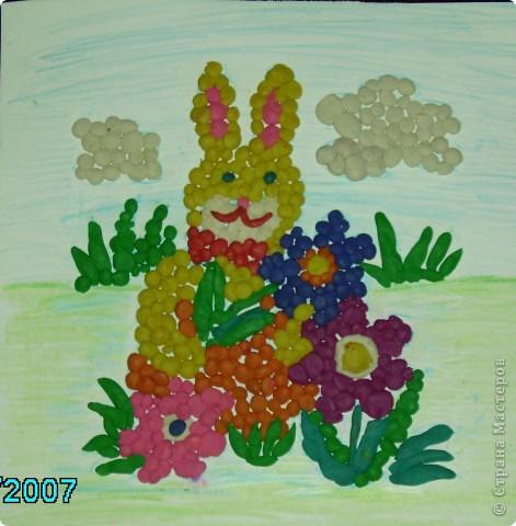 Этого зайчика из шариков пластилина делала моя дочка когда ей было 5 лет.