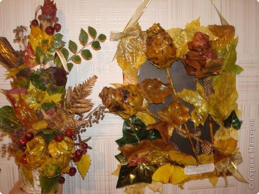 Композиция из листиков,веточек,ягодок и коры фото 1