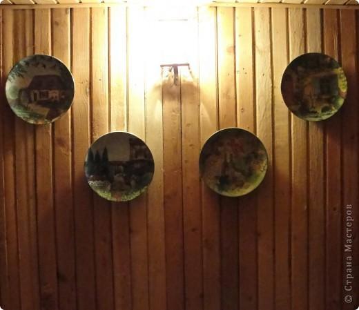 Три тарелочки - панно повесила на втором этаже дачи, то поняла, что одной не хватает, салфетки ( 3 ) были, тарелка (диаметр30 см) была и сделала  за вечер, самой нравится, юг напоминает и лето!!!!! фото 5