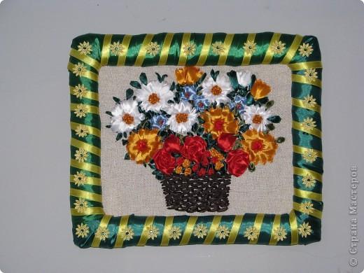 Цветы в корзине (вышивка лентами+ самодельная рамка) фото 1
