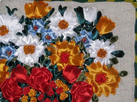 Цветы в корзине (вышивка лентами+ самодельная рамка) фото 4