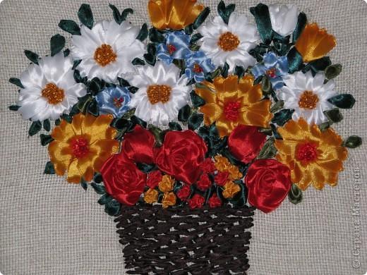 Цветы в корзине (вышивка лентами+ самодельная рамка) фото 5
