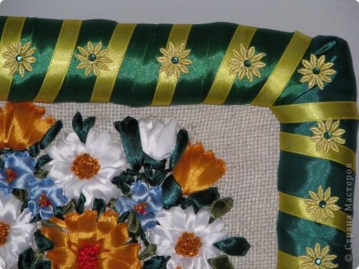 Цветы в корзине (вышивка лентами+ самодельная рамка) фото 7