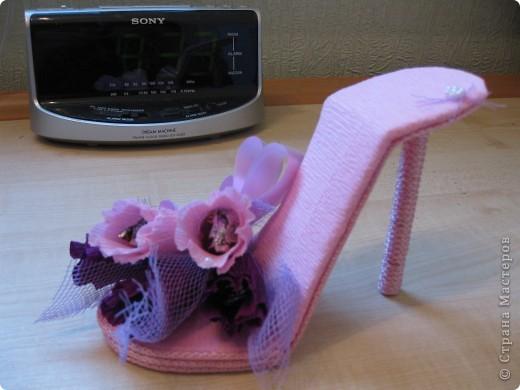 Здравствуйте, дорогие мастерицы! Вот, сделала знакомой пятнадцатилетней леди туфельку. Это первая туфелька в моем исполнении. МК взяла с Осинки. Делала два дня и получила огромное удовольствие. Принимайте! фото 4