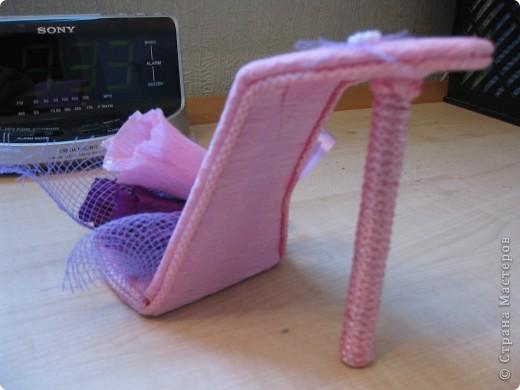 Здравствуйте, дорогие мастерицы! Вот, сделала знакомой пятнадцатилетней леди туфельку. Это первая туфелька в моем исполнении. МК взяла с Осинки. Делала два дня и получила огромное удовольствие. Принимайте! фото 5