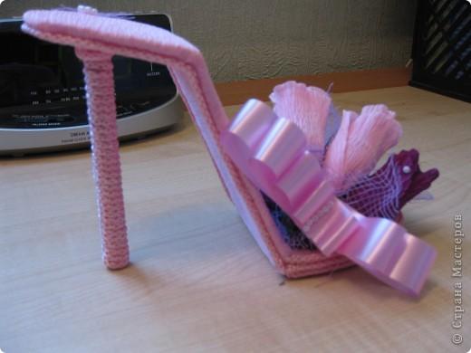 Здравствуйте, дорогие мастерицы! Вот, сделала знакомой пятнадцатилетней леди туфельку. Это первая туфелька в моем исполнении. МК взяла с Осинки. Делала два дня и получила огромное удовольствие. Принимайте! фото 6