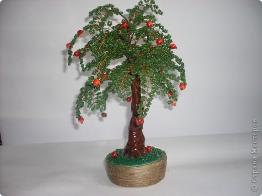 Мое первое бисерное дерево-яблонька фото 1
