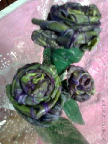 Нынче капуста у нас удалась на славу : пять сортов и вся хорошацкая . Этот букетик из фиолетовых листьев капусты - высокой с маленькими кочежками у основания каждого листа. фото 6