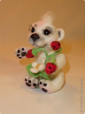 """Такая мишка Мишель получилась уже дома после """"шлифования"""" и дарения ей цветочков и ягодок фото 4"""