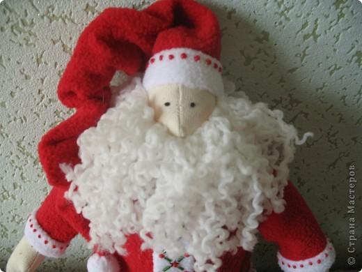 Мчат олени во всю прыть, Из Лапландии далекой Санта-Клауса везут, Бубенцы звенят в упряжке, слышишь этот тихий звук?  фото 4
