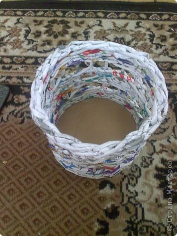 Мастер-класс Плетение МК для Насти Как я делаю дырявую корзину Бумага журнальная фото 42