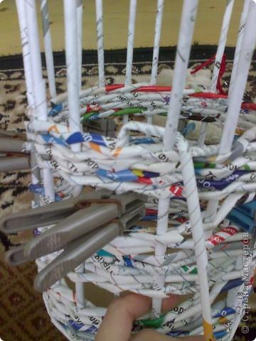 Мастер-класс Плетение МК для Насти Как я делаю дырявую корзину Бумага журнальная фото 28