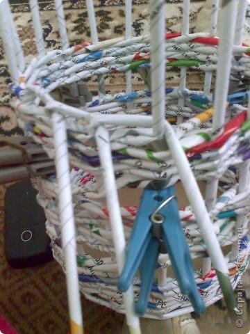 Мастер-класс Плетение МК для Насти Как я делаю дырявую корзину Бумага журнальная фото 30