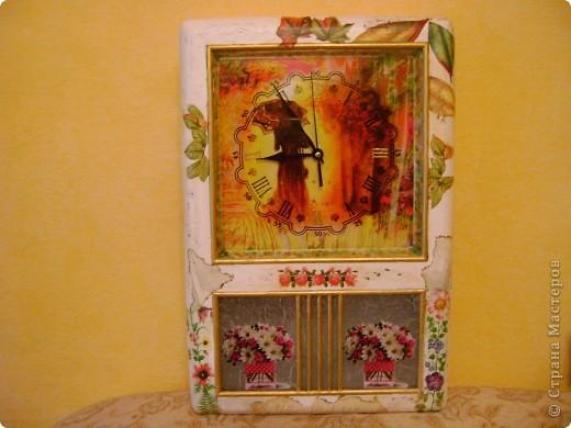 И часы и ключница,немнго мне кажется переборщила с декором... фото 1