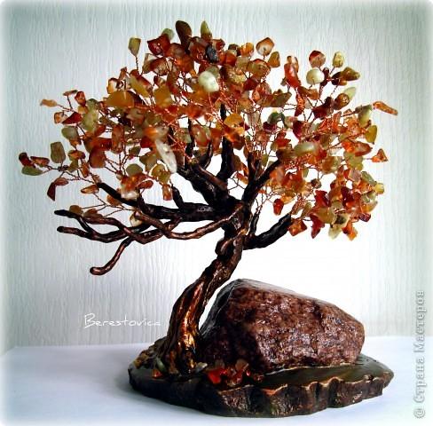 Деревья из каменной крошки, но уже по привычке помещаю их в раздел Бисероплетение)) Одна очень хорошая девушка подарила мне много камней, просто так)) Ей они оказались не нужны, а я пустила их в дело, и вот что у меня вышло. фото 3