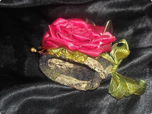 """Меня часто спрашивают,как я собираю такие розы,перед тем как создать и опубликовать этот МК я просмотрела все МК в теме """"Цумами -канзаши"""",моего способа не нашла,но если вдруг пропустила,подскажите,пожалуйста,и я всегда готова удалить лишнее. фото 8"""