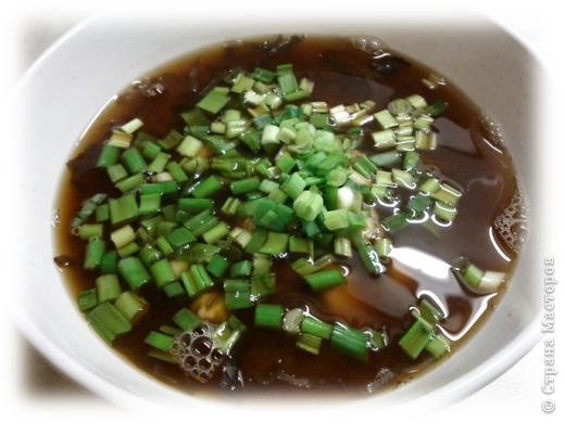 Любителям японской кухни посвящается =) Мисо-суп из морепродуктов. Обожаю его! Ингридиенты, конечно, специфические, в простом магазинчике не купишь, но если постараться, то можно найти =) фото 7