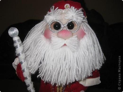 Всем доброго времени суток!!!Не перестаю готовится к Новому году!Попросили мои детки Деда Мороза под елочку,вот сегодня и дошила! фото 3