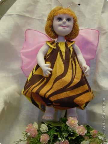 Пчелка-бабочка фото 1