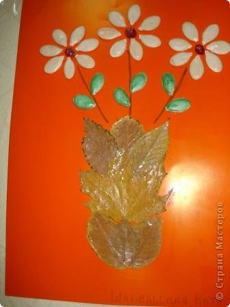 """Всем здравствуйте! В нашем центре традиционно каждый октябрь проводится праздник осени. Детки не только показывают, чему научились в нашем центре развития, но и вместе с родителями готовят стихотворения, рисуют рисунки, делают поделки. Представляю Вашему вниманию некоторые поделки (возраст деток 3-6 лет). Шляпка сделана по МК из Страны Мастеров. Наша """"осень"""" сразу примерила ее на празднике.  фото 4"""