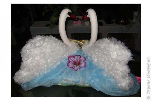 Идею этих лебедей взяла тут:  https://stranamasterov.ru/node/187501#comment-2792501 Вот результат! Спасибо автору за идею. Лебедей делала на свадьбу младшей сестренки как украшение на машину. фото 6