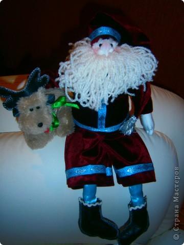 Подготовка к новому году идет полным ходом. Снеговиков налипили, теперь  Санта (кто же принесет подарки?)   фото 2