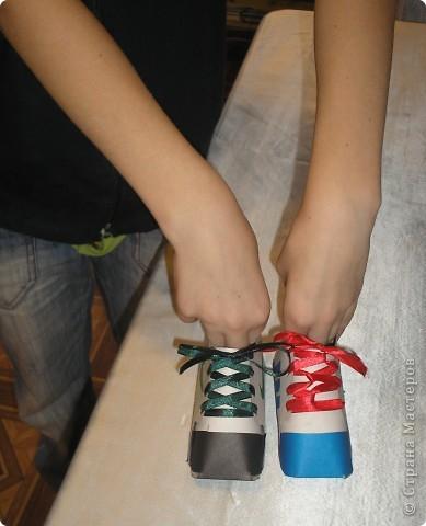 Сделали кеды и ребята решили,что можно их использовать как карандашницы. фото 4