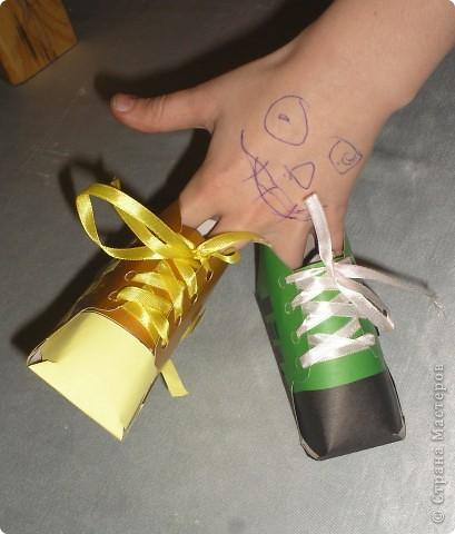 Сделали кеды и ребята решили,что можно их использовать как карандашницы. фото 3