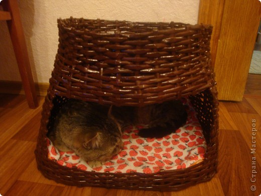 домик для кота из газетных трубочек фото 3