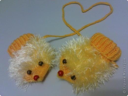 Довязала доче вот такие рукавички-ежики. фото 1