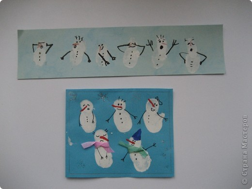 """Такую закладку принесла моя дочь из школы в первом классе, а снизу открытка - такие она делала ( я тож помогала немного)  своим родственникам и учителю в музыкальной школе на новогодние праздники...не знаю как  вам, а мне так ну очень нравятся эти милые снеговички.  Можно делать с совсем маленькими детками. Хотела как-то сделать что-то вроде фото класса в таком виде, где все дети снеговики с какими-то присущими только данному ребенку """"опозновательными знаками"""", ведь все дети разные - кто-то косички носит, кто-то очки и т.д. Нужно:белая, красная гуашь, черная гелевая или как с чернилами ручка и фантазия) фото 1"""