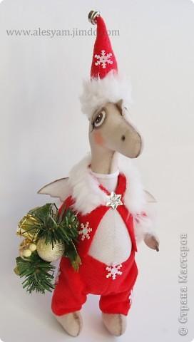 ПРИВЕТ ВСЕМ!!! Я сегодня к вам с дракошками!!! Очень понравилось их шить!!! Очень хочется с вами поделиться...Теперь чувствуется приближение Нового года и запахло мандаринами!!!  :-))) фото 5