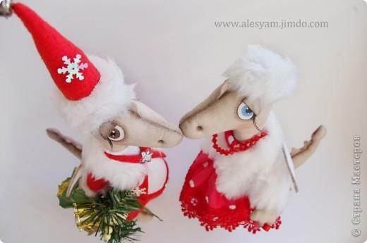 ПРИВЕТ ВСЕМ!!! Я сегодня к вам с дракошками!!! Очень понравилось их шить!!! Очень хочется с вами поделиться...Теперь чувствуется приближение Нового года и запахло мандаринами!!!  :-))) фото 2