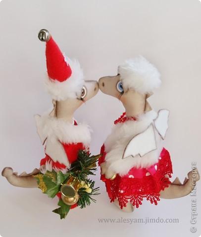 ПРИВЕТ ВСЕМ!!! Я сегодня к вам с дракошками!!! Очень понравилось их шить!!! Очень хочется с вами поделиться...Теперь чувствуется приближение Нового года и запахло мандаринами!!!  :-))) фото 3