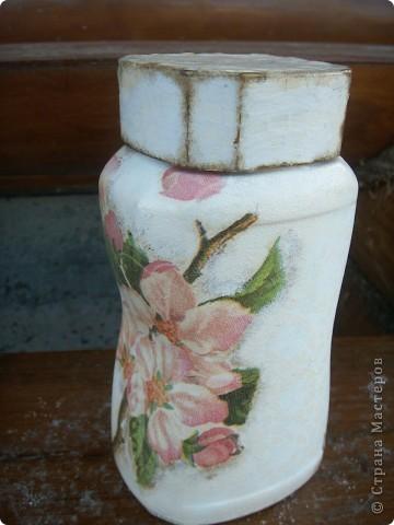 """баночка """"Яблоневый цвет"""". В работе использованы акриловые краски, салфетка, акриловый лак для саун, битум. фото 1"""