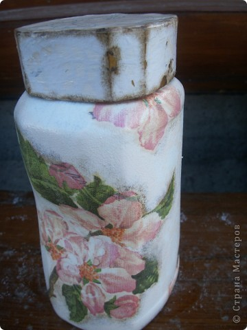 """баночка """"Яблоневый цвет"""". В работе использованы акриловые краски, салфетка, акриловый лак для саун, битум. фото 3"""