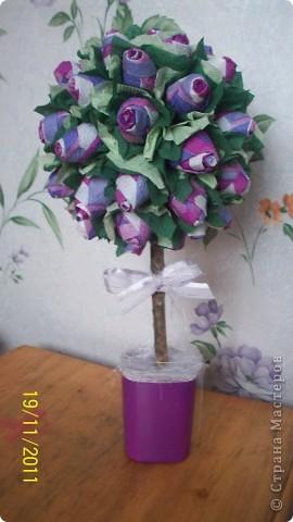"""Это продолжение моего желания """"перепробовать все цвета салфеток в изготовлении деревьев из бутонов роз"""""""