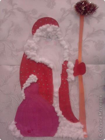 Вот такое формление стены к Новому году помогли подготовить ученики 1 класса в 2010 году. фото 2
