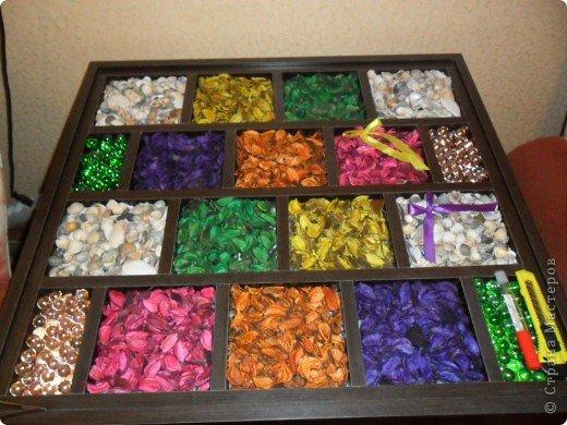 коробку заказали по индевидуальному эскизу, засыпали пазы и накрыли стеклом.  фото 1