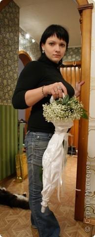 Свадебный букет зонт с гипсофилой фото 2