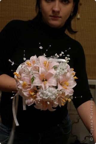 Свадебный букет зонт с гипсофилой фото 3