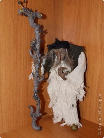 Всем добрый вечер! Боольшая просьба к мастерам-кукольникам. Оцените, пожалуйста, в денежном эквиваленте вот эту работу... Кукла сделана из запекаемой глины Cernit. Высота без посоха 21 см. фото 3