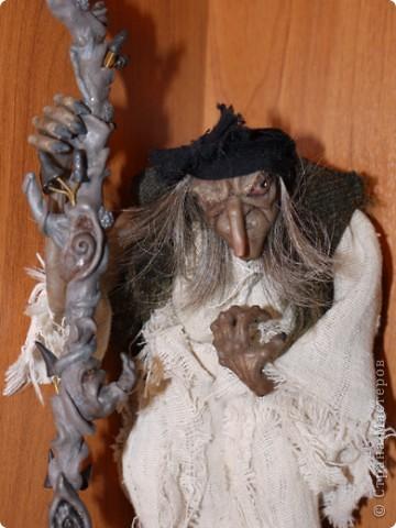 Всем добрый вечер! Боольшая просьба к мастерам-кукольникам. Оцените, пожалуйста, в денежном эквиваленте вот эту работу... Кукла сделана из запекаемой глины Cernit. Высота без посоха 21 см. фото 1