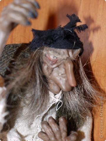 Всем добрый вечер! Боольшая просьба к мастерам-кукольникам. Оцените, пожалуйста, в денежном эквиваленте вот эту работу... Кукла сделана из запекаемой глины Cernit. Высота без посоха 21 см. фото 7