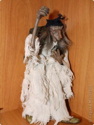 Всем добрый вечер! Боольшая просьба к мастерам-кукольникам. Оцените, пожалуйста, в денежном эквиваленте вот эту работу... Кукла сделана из запекаемой глины Cernit. Высота без посоха 21 см. фото 8